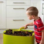 Bytový kompostér aj ako výchovný prostriedok
