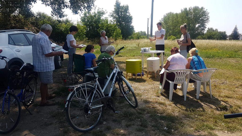 MIchal Vavrík a prednáška o kompostovaní v byte pomocou dážďoviek.